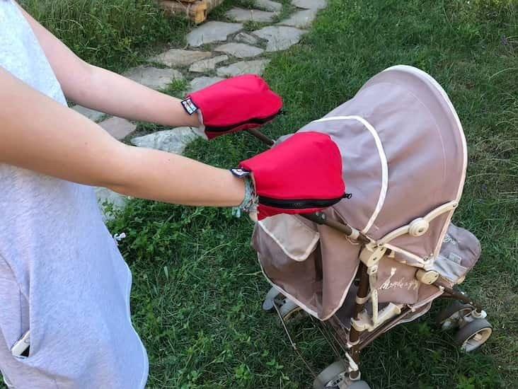 Nepromokavé merino rukavice èervené na koèárek - zvìtšit obrázek