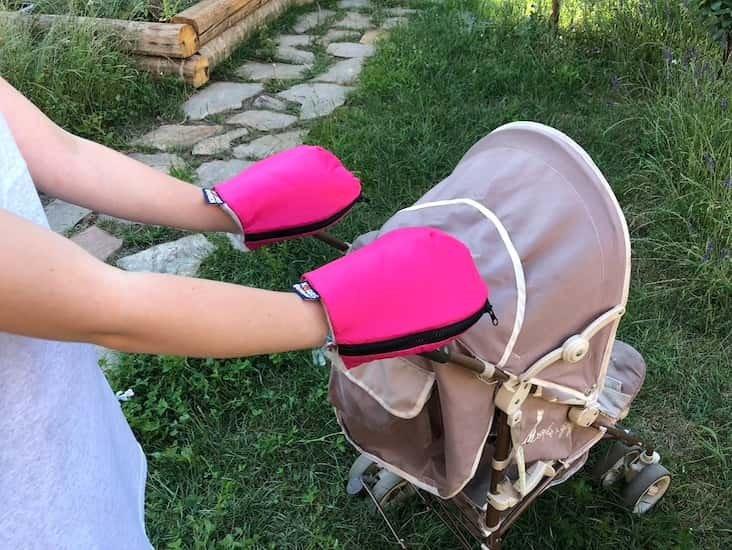 Nepromokavé merino rukavice rùžové na koèárek - zvìtšit obrázek