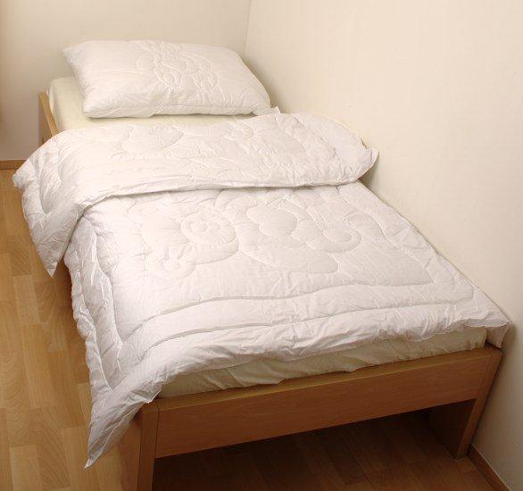 Prošívaná pøikrývka s polštáøem 200 x 140 cm - zvìtšit obrázek