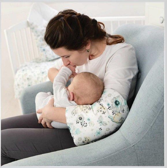 Rukáv na nošení a krmení miminka Hvìzdièky šedo-bílá - zvìtšit obrázek